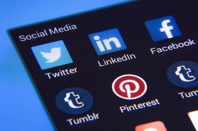 5 Easy Ways You Can Turn How to use Social media for business Into Success